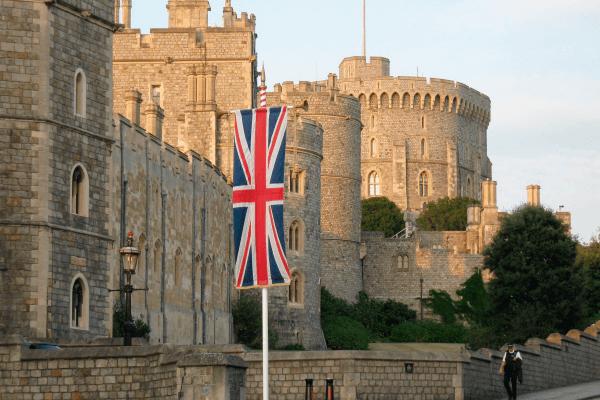 Castillo y Pueblo de Windsor con paseo en Barco