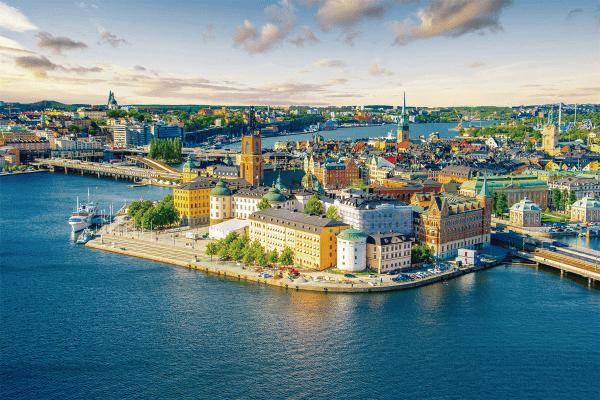 Corazón de Escandinavia, Helsinki y Tallinn  Sol de Medianoche en Rovaniemi