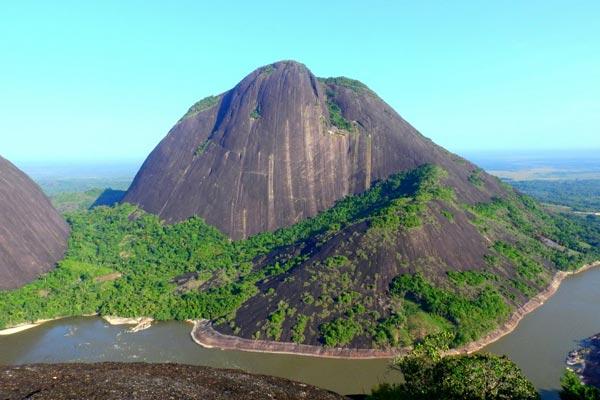 CERROS DE MAVECURE – DEPARTAMENTO DEL GUIANÍA